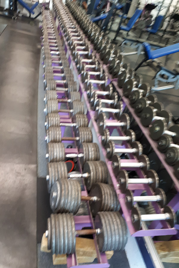 Free weights in a row
